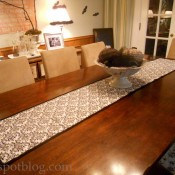 glue gun table runner from the v spot blog