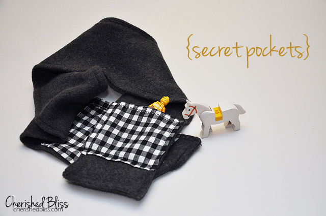 Fleece Scarf with Secret Pockets - Cherished Bliss