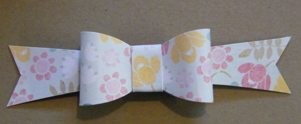 paper bow from fynesdesigns