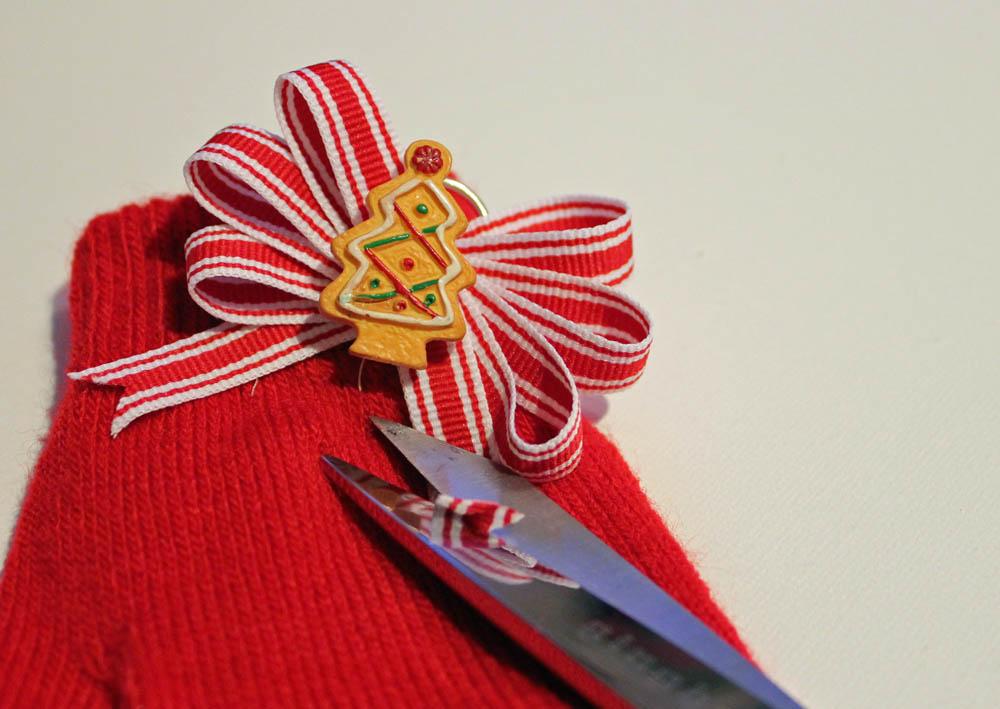 trim ribbon ends