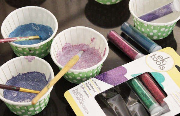 mix the mod podge with glitter