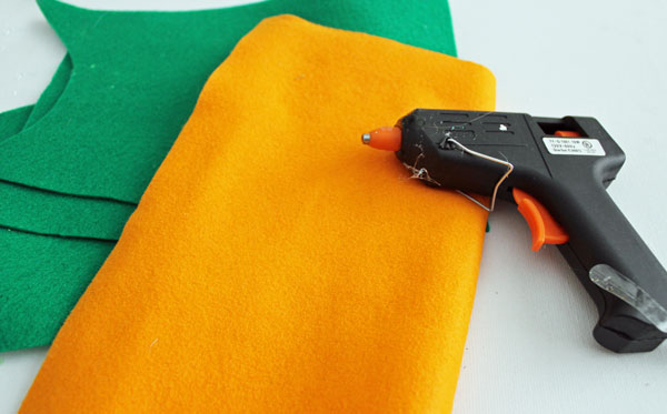 supplies for no sew fabric carrot