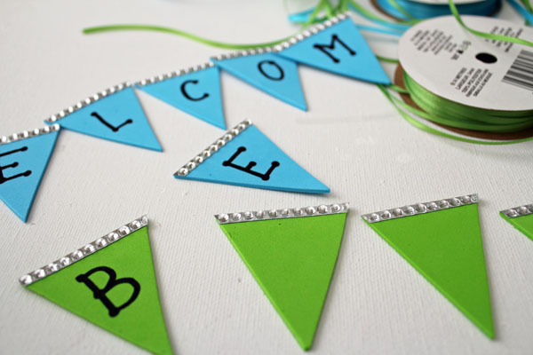write letters on pennants
