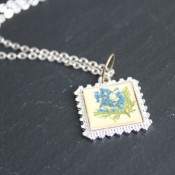 petal pebble pendant