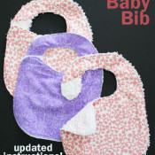 30 Minute Baby Bib with velcro closure