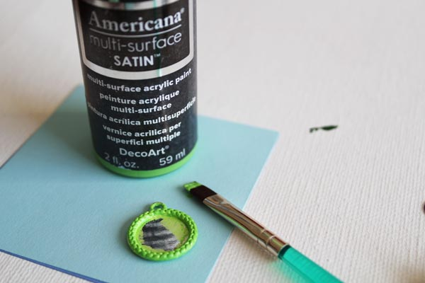 paint charm green