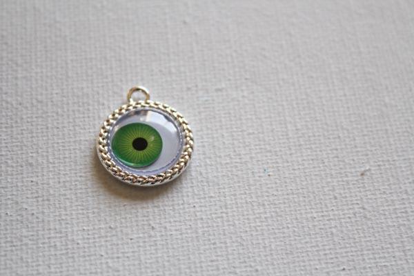 put google eye in pendant