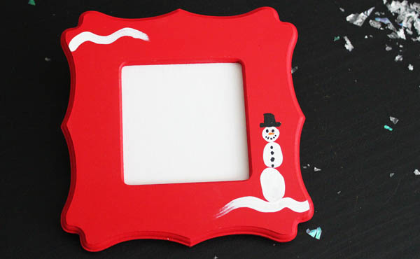 Thumbprint Snowman Frame at 30 Minute Crafts