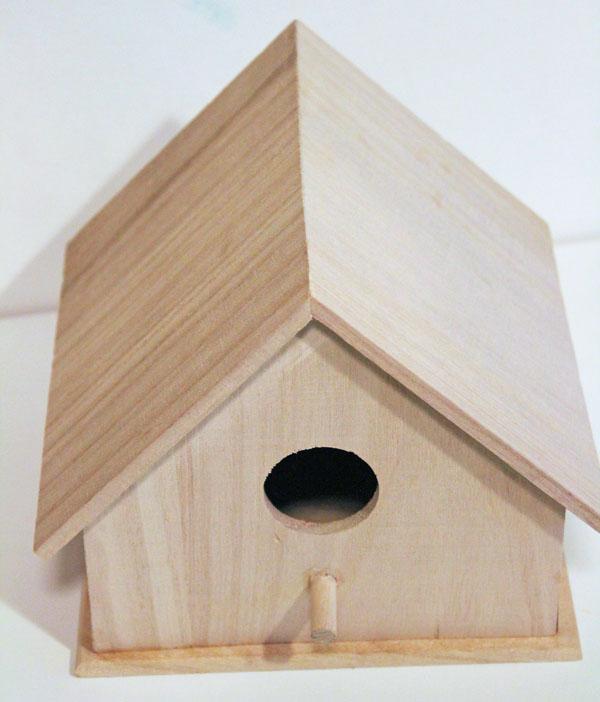 Start with a plain birdhouse