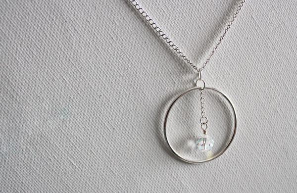 circle dangle necklace