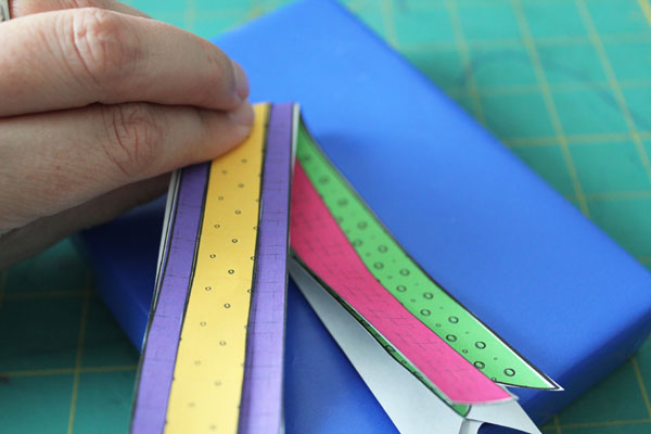 layer ribbon papers