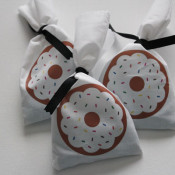 Simple Donut Gift Bag with iron on donut