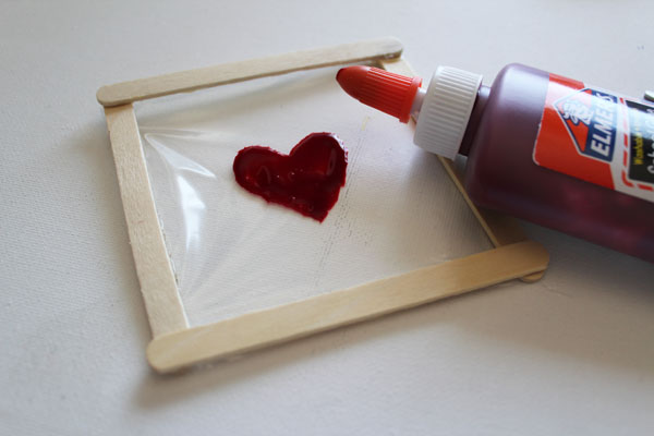create thin layer of dye glue