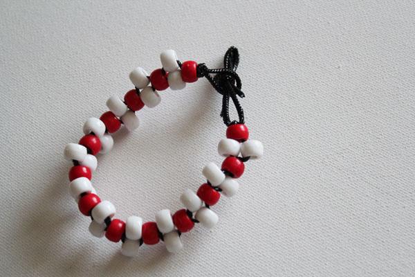 Make A Pony Bead Bracelet