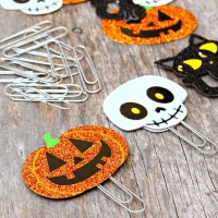 Halloween-Paperclip-Bookmarks1-881x1024