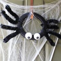 Halloween Spider Wreath DIY