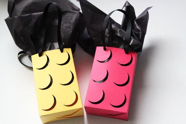 Make your own Lego favor bags