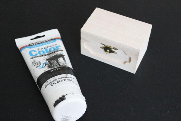 Minwax on box
