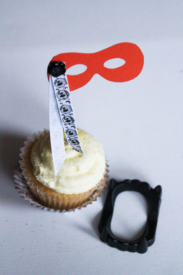 Simple Cupcake Topper for Halloween