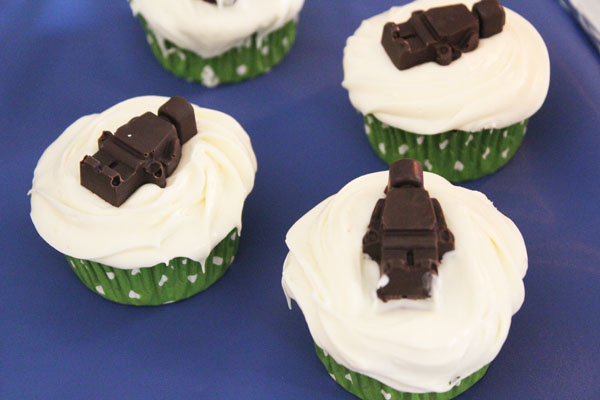 chocolate lego minifigure cupcakes