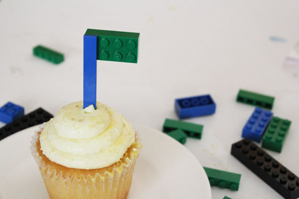 lego flags for cupcakes