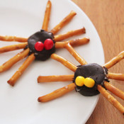 simple halloween spider snack