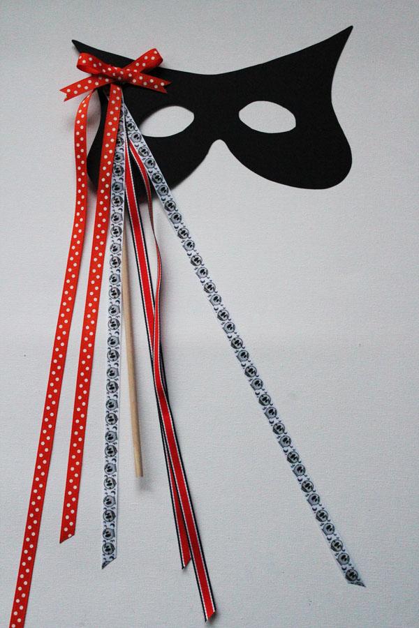 DIY Ribbon Mask