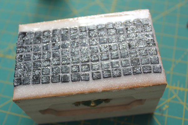 make a tiled box