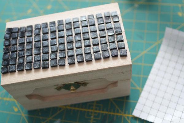 stick tiles to box