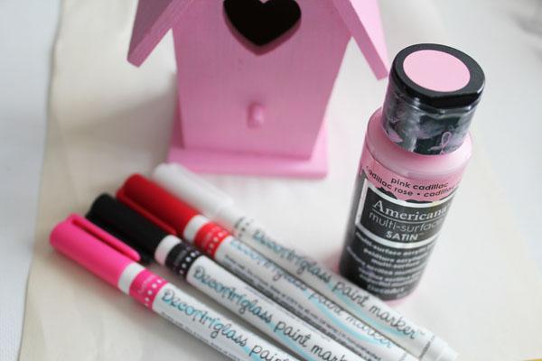 use glass paint pens