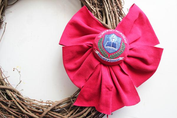fiished school crest wreath