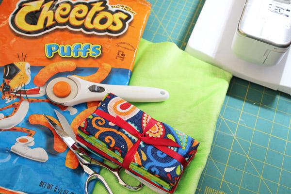 supplies for crinkle blanket