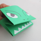 finished alligator paper puppet