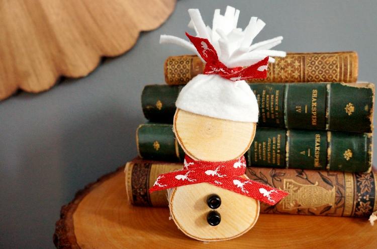 DIY-Wood-Slice-Snowman