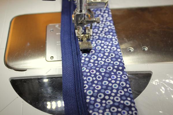 topstich zipper