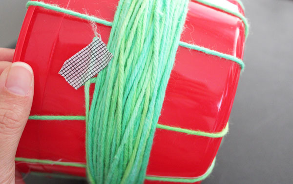 wind yarn round and round