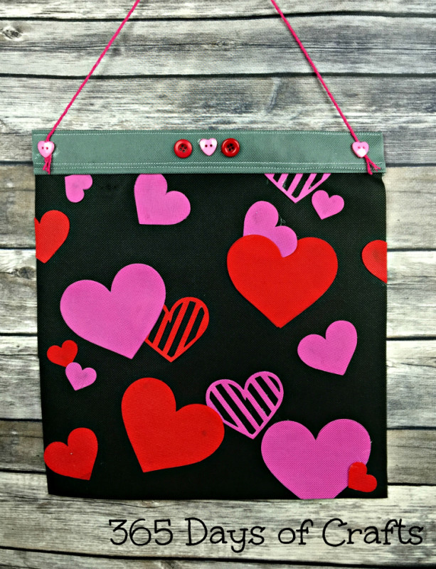 Valentine-heart-flag-613x800