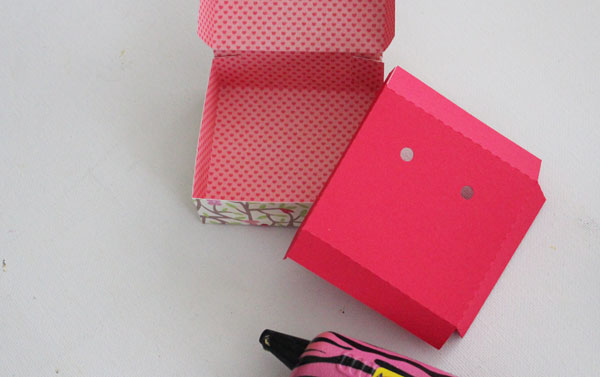 glue box and fold insert
