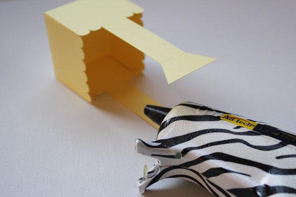 glue bottom together