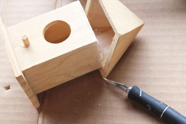remove top of birdhouse