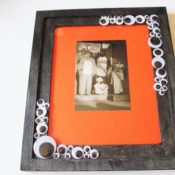 finished googly eye photo frame