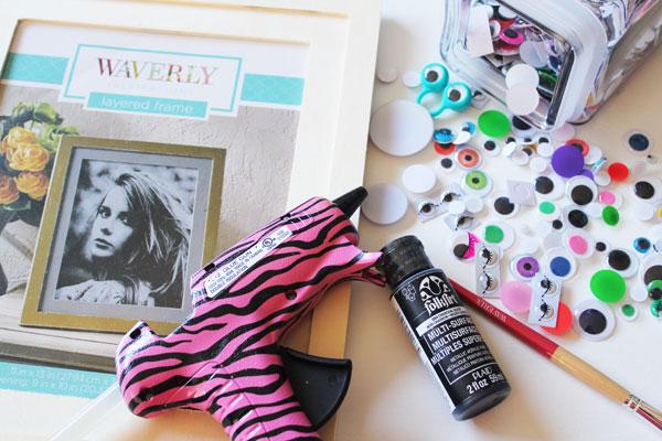 supplies for googly eye photo frame