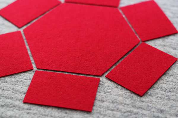 lay out the hexagon felt box pieces