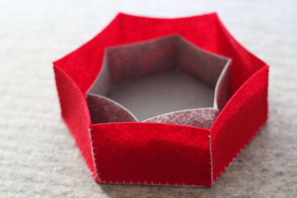 felt hexie boxes on 30 Minute Crafts .com