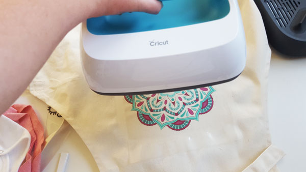 Use the Cricut Easypress on your Ready made iron on design