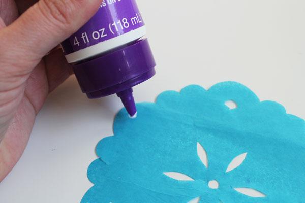 add glue to tissue