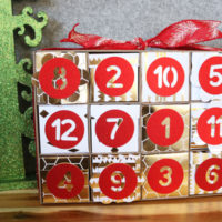 finished 12 days of Christmas Advent Calendar on 30 Minute Crafts .com